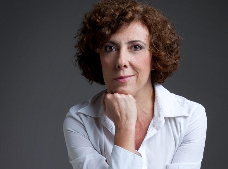 """Alessandra Faiella: un'artista """"di pancia"""" per la prima serata del Festival delle lettere"""